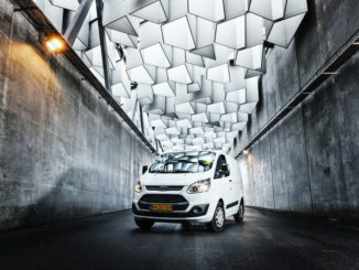 Hvid Ford varevogn